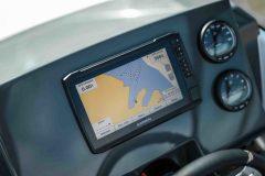 LR_Sting-610-BR-details-dashboard-and-navigation-scaled
