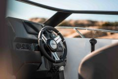 LR_Sting-610-BR-details-dashboard-and-steering-wheel-scaled