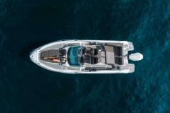 LR_Enduro-805-at-sea-boat-overview-seen-from-air
