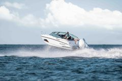 LR_Noblesse-720-at-sea-driving-2