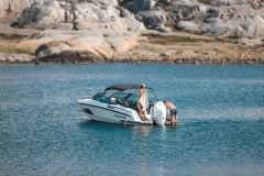 LR_Noblesse-720-boat-overview-with-sun-roof