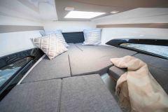 LR_Noblesse-720-details-cabin