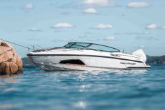 LR_Noblesse-720-full-boat-picture-2