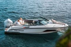 LR_Noblesse-720-full-boat-picture
